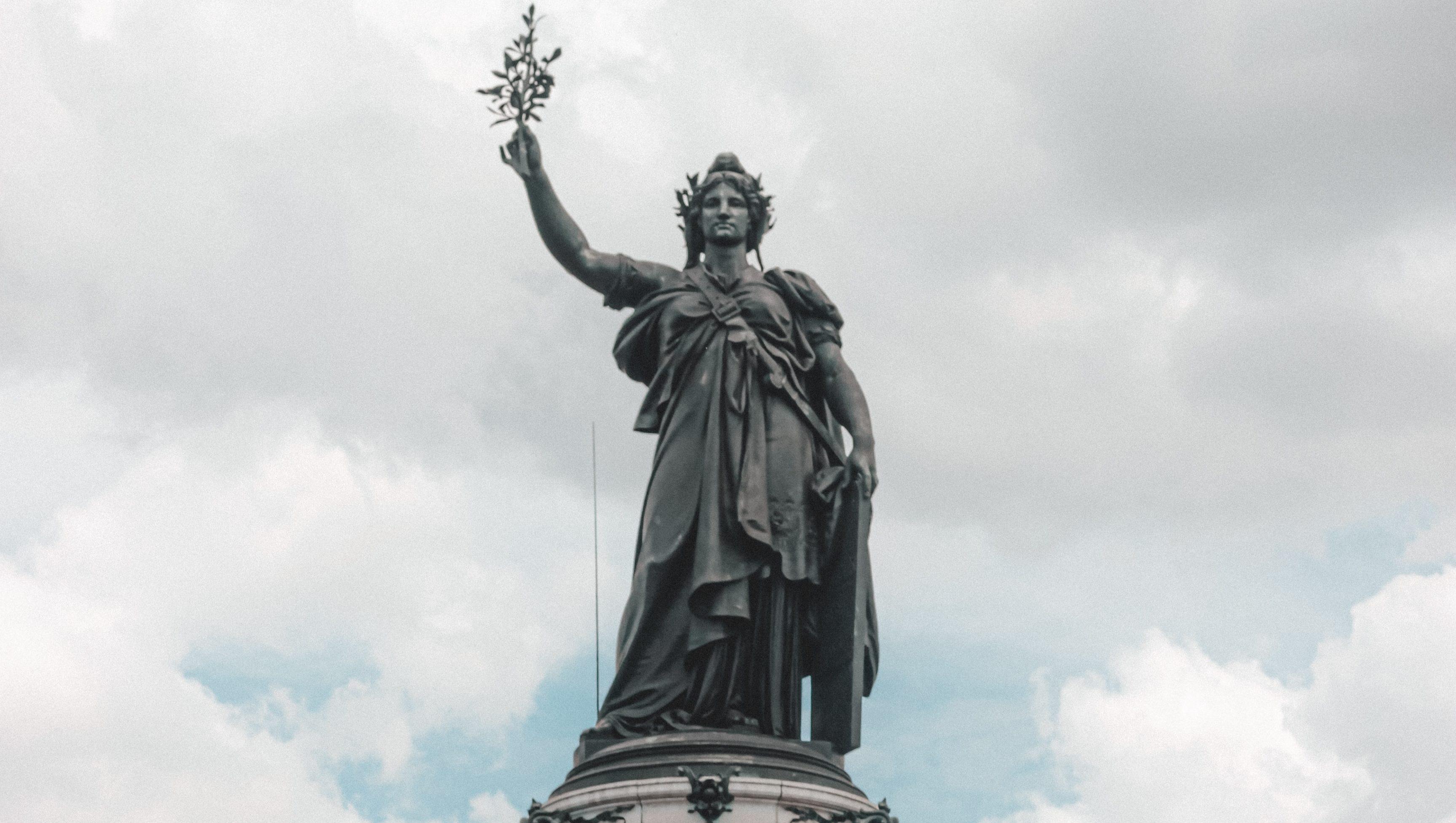 Pour Gaspard Koenig, l'État de droit vaut mieux que la République